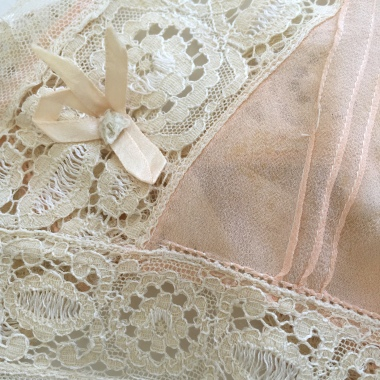 The Ladies: lace fragment