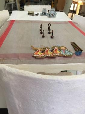 detail, bridge accessories: cloth, pencils, tallies, table markers